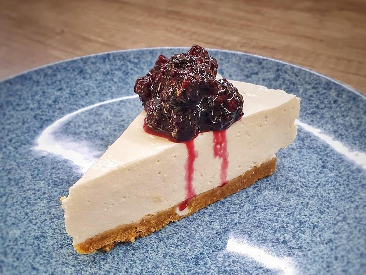 Cheesecake cu dulceata de mure